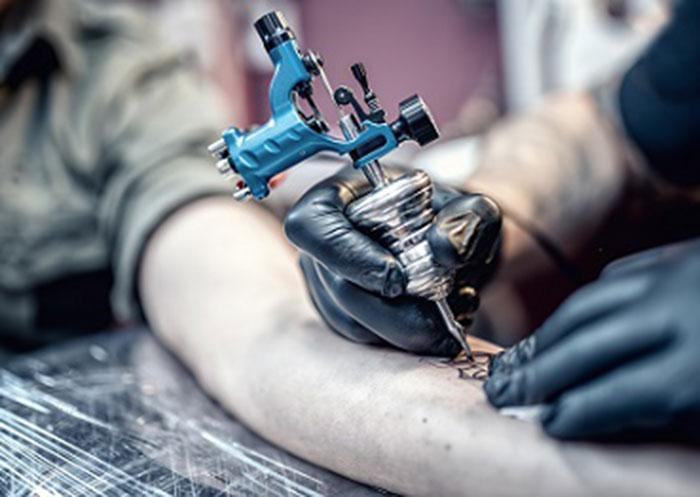 Corso di Tatuaggio e Piercing – 90 ore riconosciuto dalla Regione Puglia